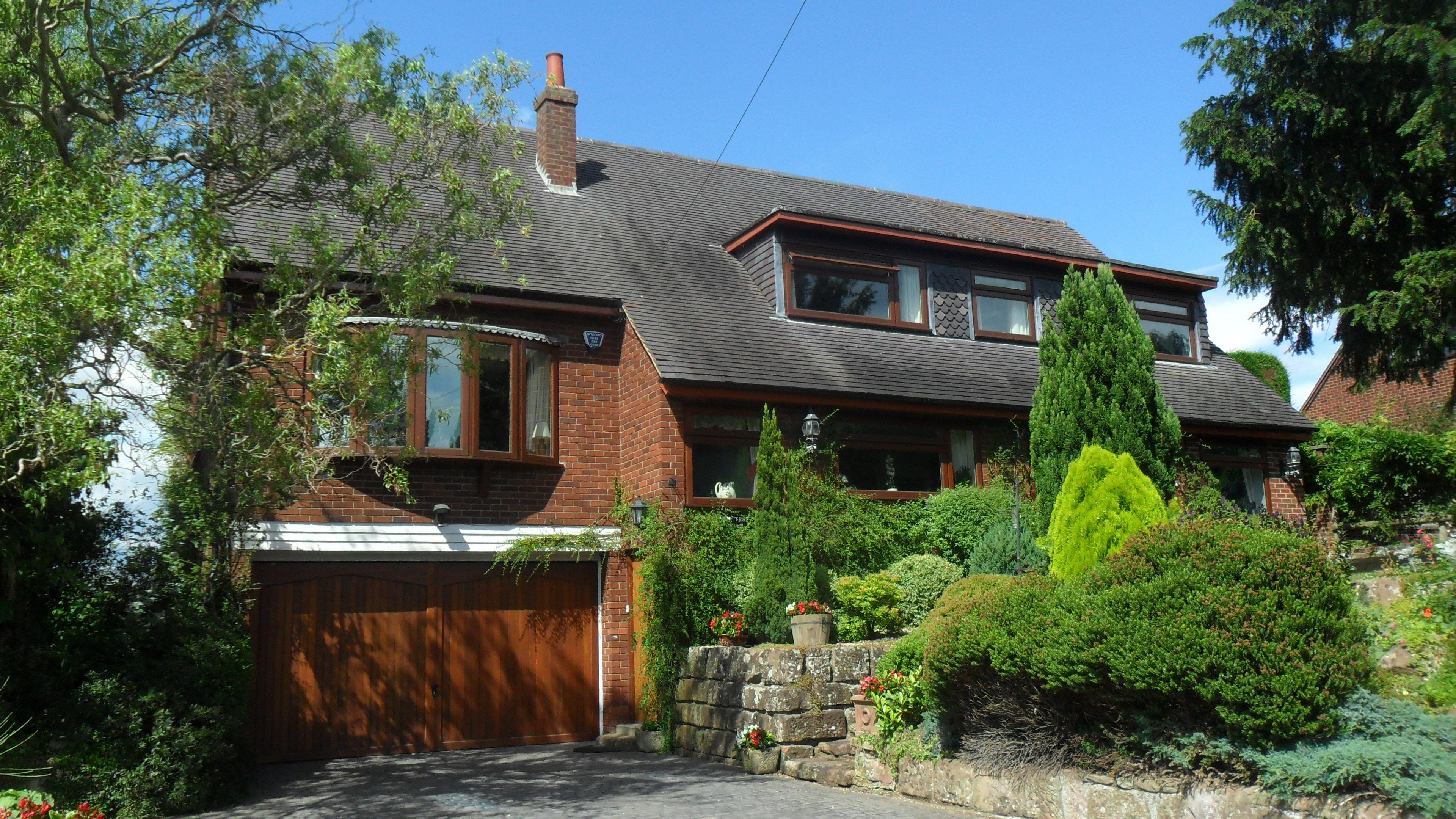 12654-S-Yew-Tree-House675000